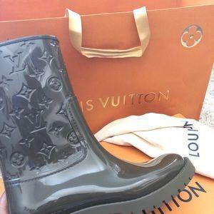 ee2c26932b 💦❄️🌨Louis Vuitton half drop boots🌨❄️💧 Boutique